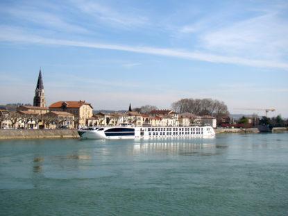 S.S. Catherine | O estilo elegante e tranquilo de navegar pela França