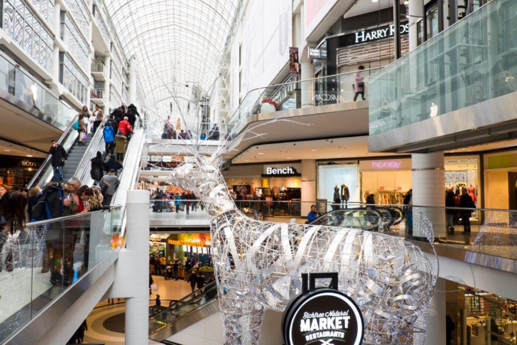 Shopping Toronto Eaton Centre
