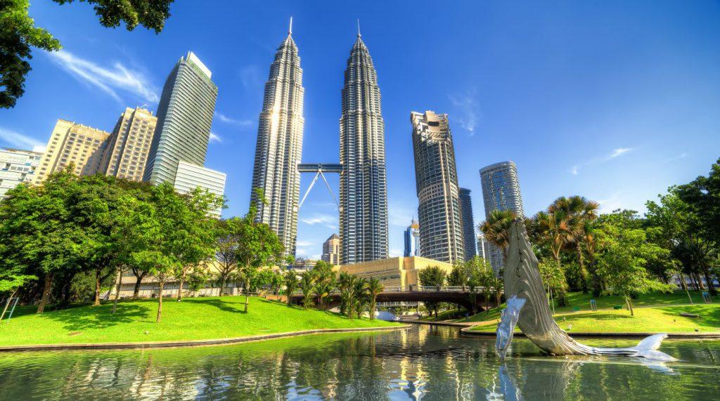 Réveillon, Malásia