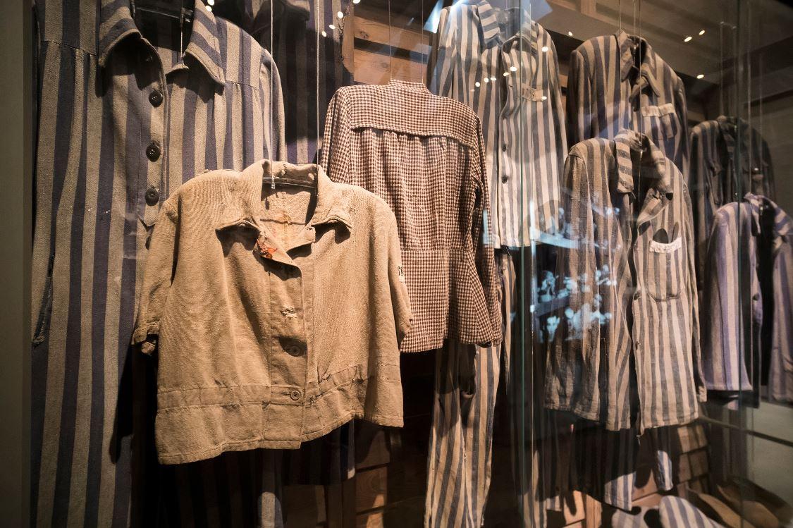Pertences pessoais de vítimas do Holocausto no Museu Histórico do Holocausto - Foto: diy13/Shutterstock.com