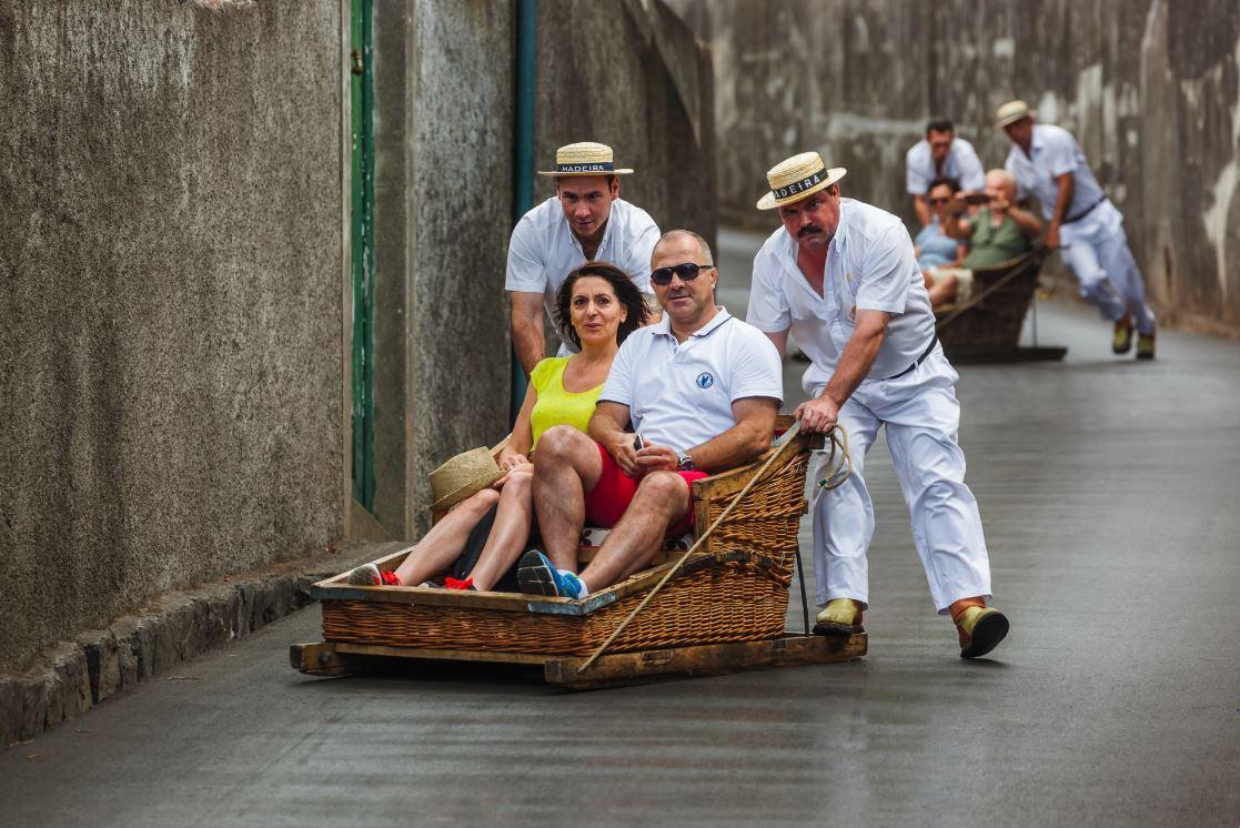 """Descida nos famosos """"carros de cestos"""" - Foto: Tatiana Popova/Shutterstock.com"""