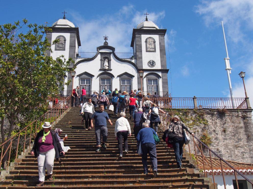 Escadarias da Igreja de Nossa Senhora do Monte - Foto: philip openshaw / Shutterstock.com