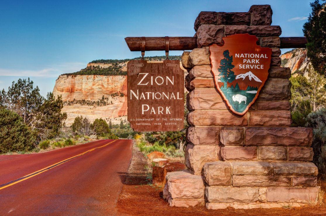 Zion National Park, lindas paisagens rodeadas por montanhas