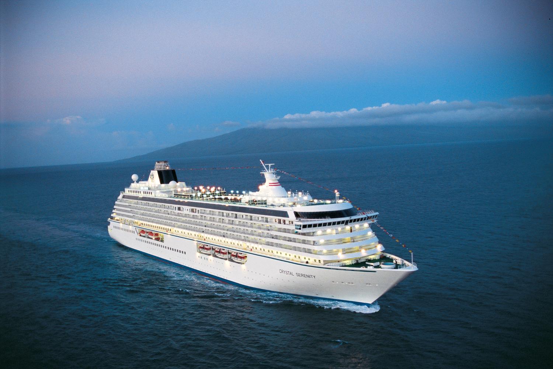 A Crystal Cruises oferece uma viagem de 139 dias Miami–Londres, com o navio Crystal Serenity