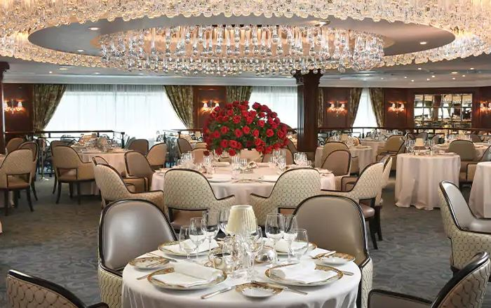 The Grand Dining Room: um dos restaurantes do Oceania Insignia