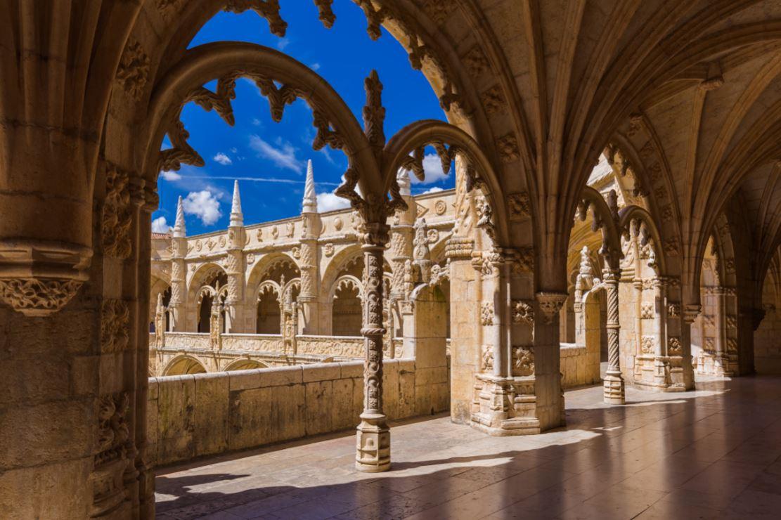 Interior do lindíssimo Mosteiro dos Jerônimos, em estilo manuelino