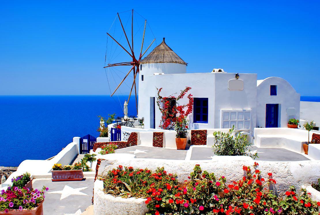 Oia: o vilarejo mais charmoso e elegante de Santorini