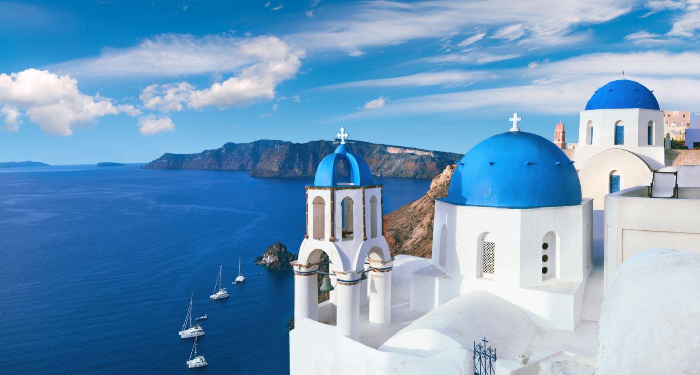 Dona de beleza mágica, Santorini é a mais famosa das Ilhas Gregas.