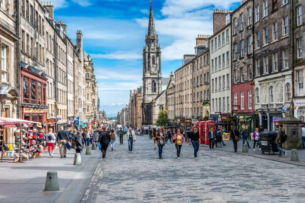 Edimburgo, capital e cidade mais visitada da Escócia