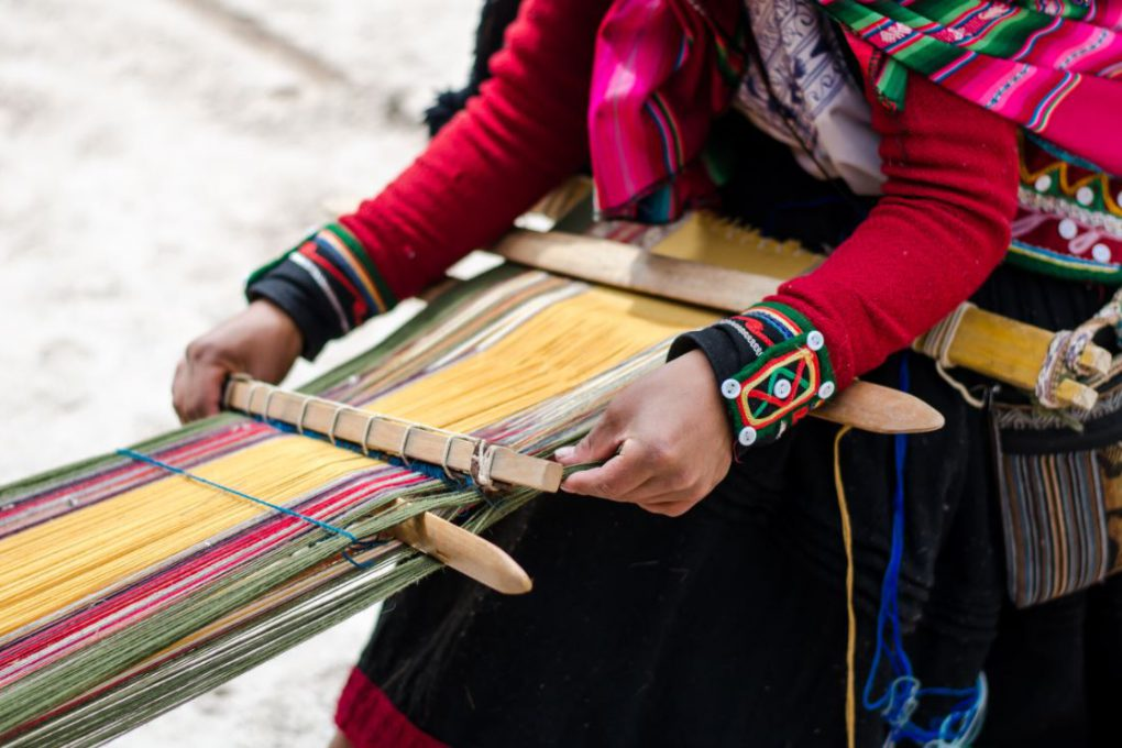 Chinchero é famoso por suas tecelãs, que utilizam as antigas técnicas incas