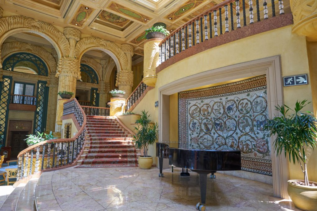 Piano no Crystal Court, restaurante do The Palace
